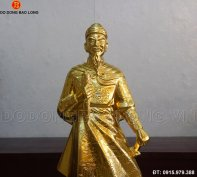 tuong_tran_hung_dao_dat_vang_81cm.jpg