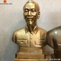 tuong_bac_ho_bang_dong_45cm.jpg