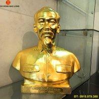 tuong_dong_bac_ho_dat_vang_cao_50cm.jpg