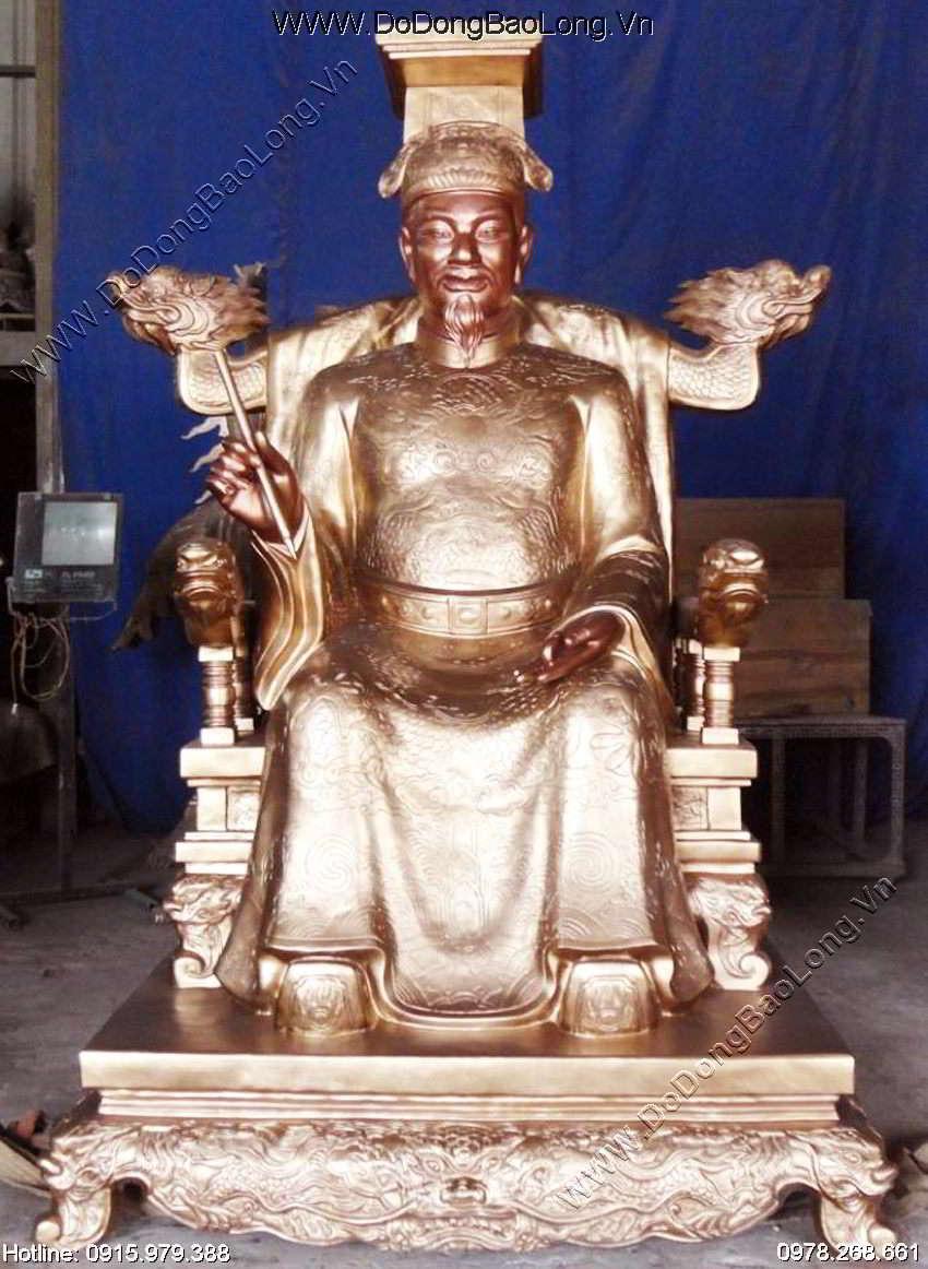 Tượng vua lê thánh tông bằng đồng đỏ đúc thủ công