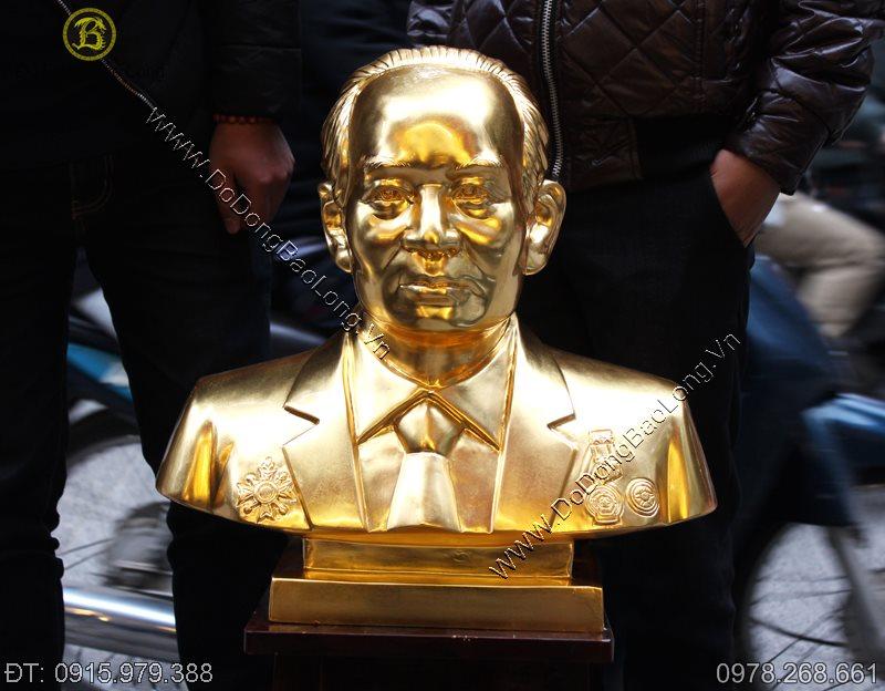 Đúc tượng chân dung bằng đồng thếp vàng