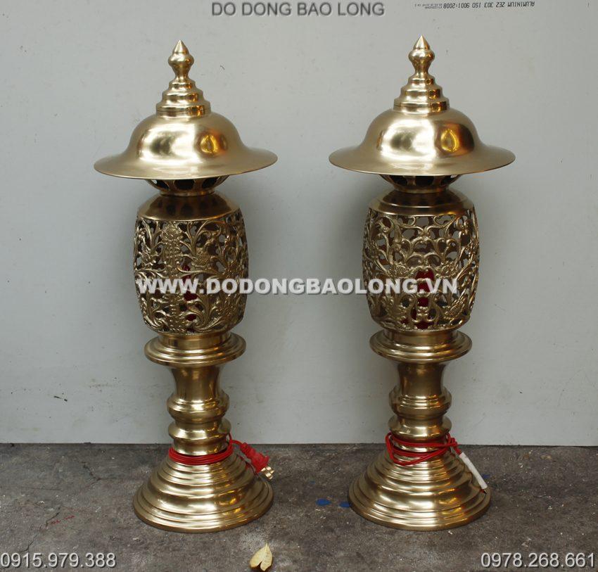 Đèn thờ gia tiên bằng đồng thau cao cấp bày trên bàn thờ cúng