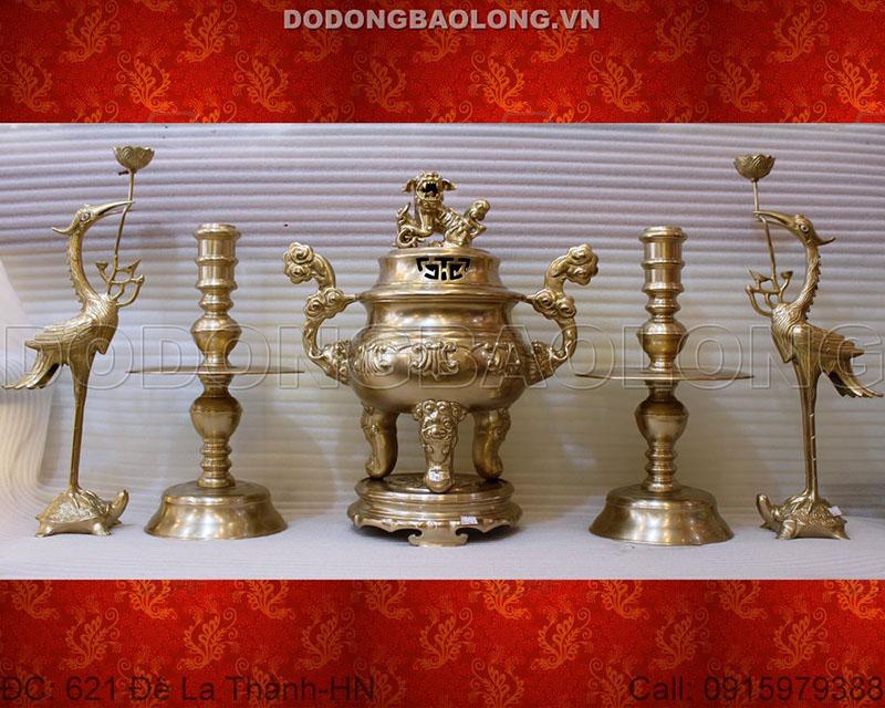 Đồ thờ bằng đồng Ý Yên có kích thước cao 60cm phù hợp với những bàn thờ có kích thước 1m97 trở lên
