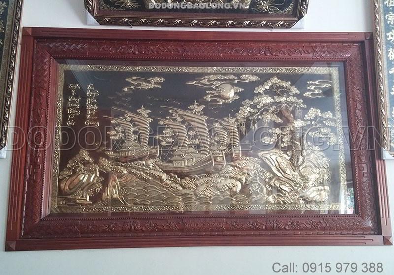 Tranh đồng thuận buồm xuôi gió là tranh đồng phong thủy treo phòng khách gia đình mang may mắn thuận lợi trong làm ăn kinh doanh